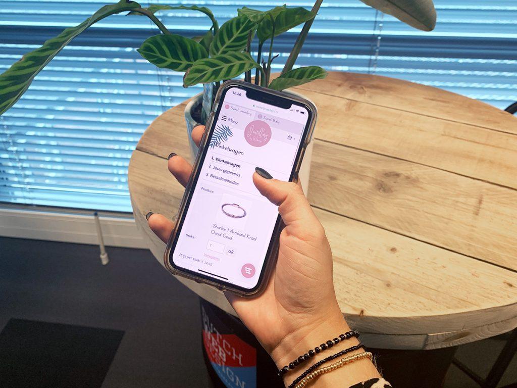 Steeds meer online aankopen via mobiel